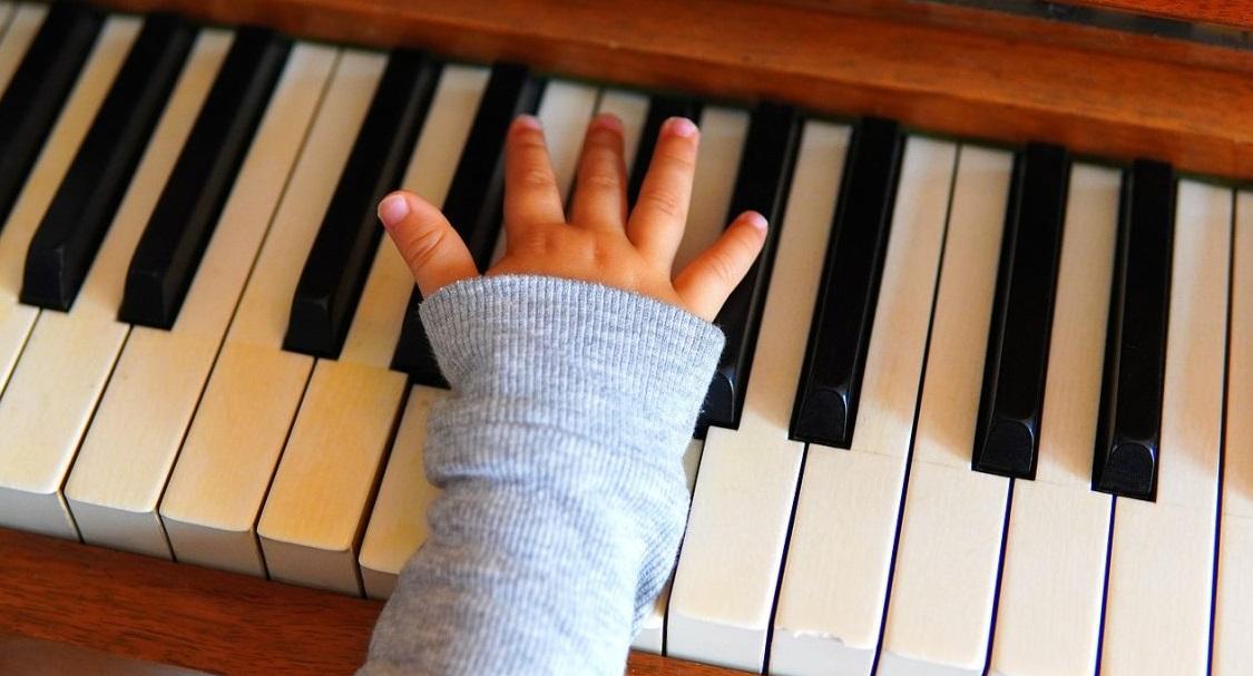 Estimular a los niños con instrumentos de música