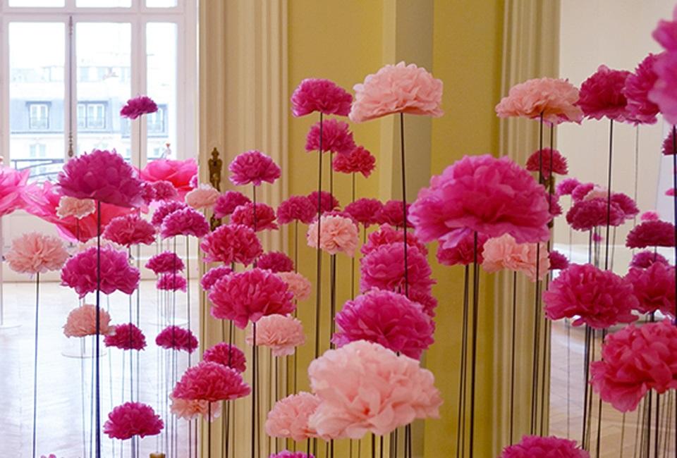 Cómo hacer flores de papel seda con niños